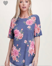 Load image into Gallery viewer, Short sleeve floral top