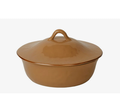 Cantaria Round Covered Casserole Caramel