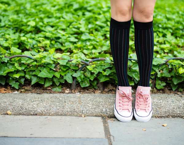 How Compression Socks Combat Varicose Veins & Leg Swelling