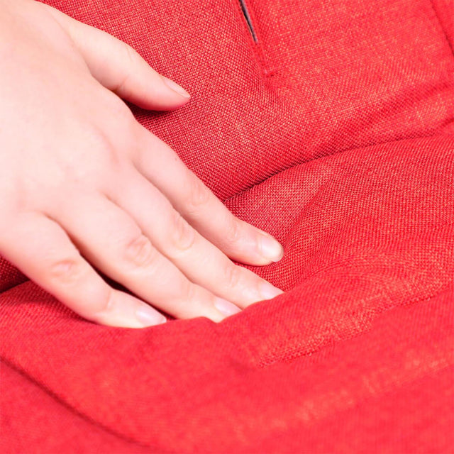 phil&teds cushy ride liner in chilli red is soft to touch close up_chilli