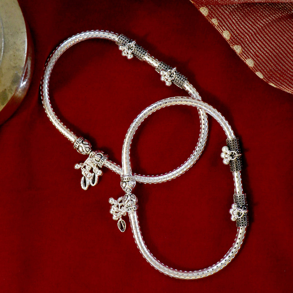 Teejh Double Cylindrical Silver Oxidized Charm Anklets