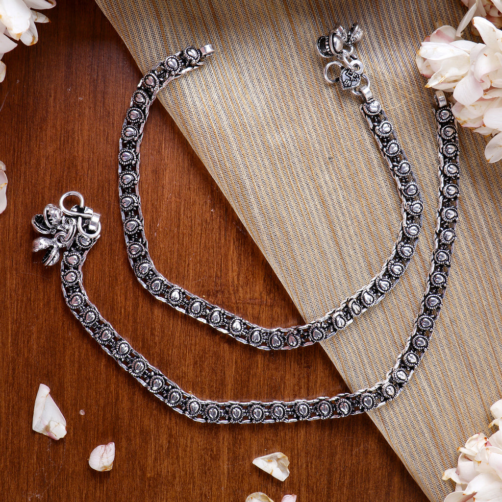 Teejh Disha Linked Silver Oxidized Anklets