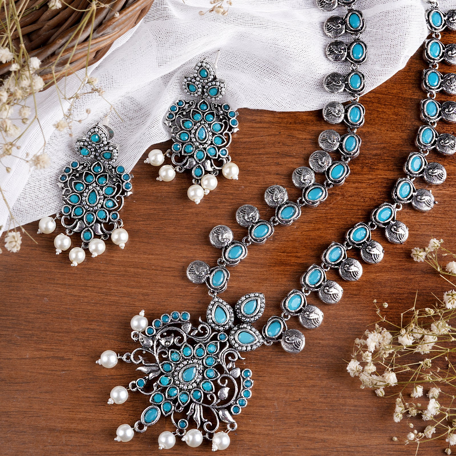 Teejh Nihira Blue Stone Necklace Set