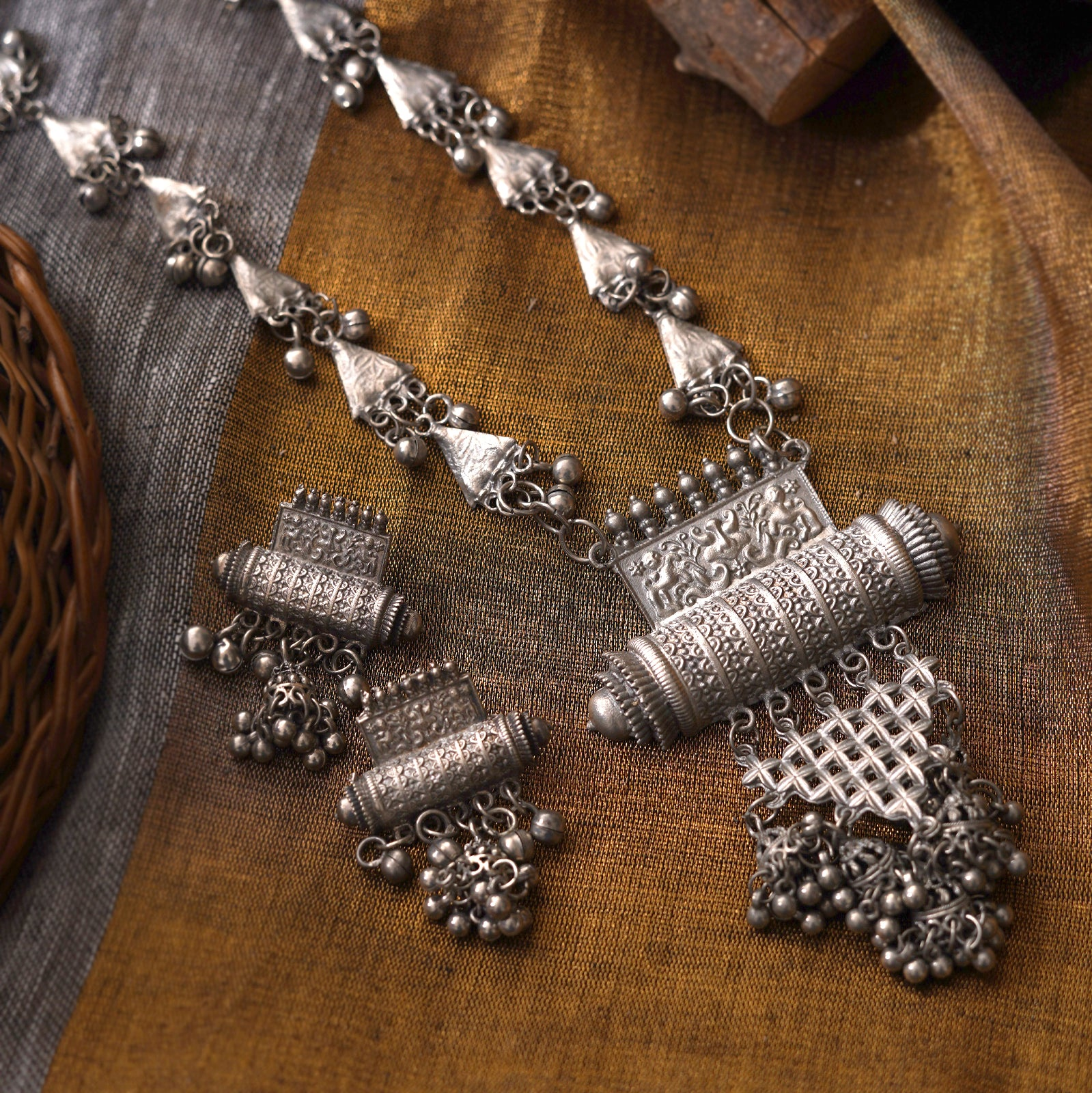Teejh Rihana Silver Oxidised Necklace Set