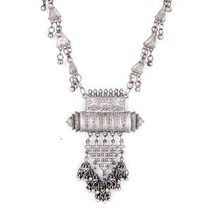 Teejh Tabeer Silver Oxidised Jewelry & Watch Set