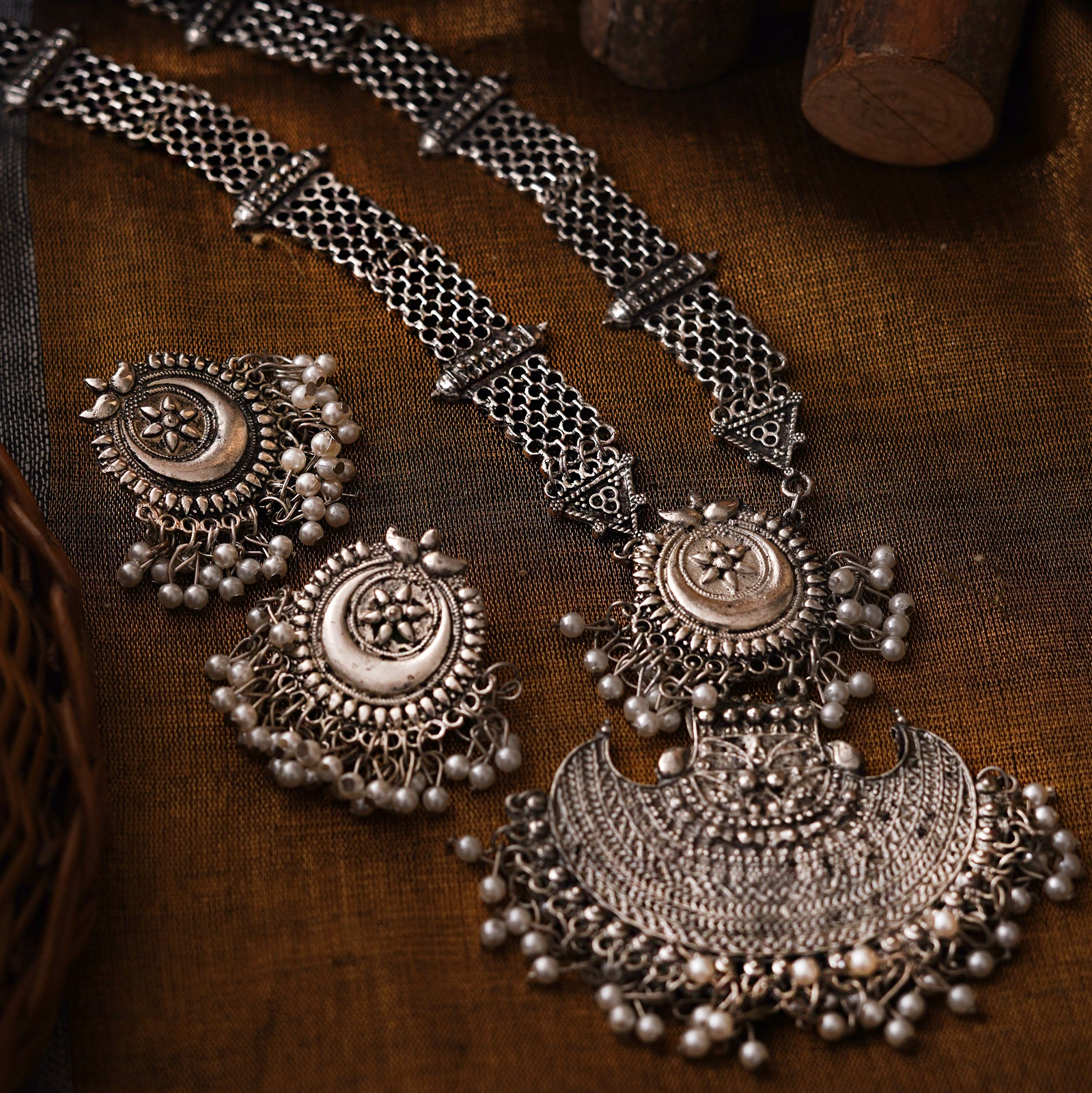 Teejh Siyona Antique Silver Polish Necklace Set