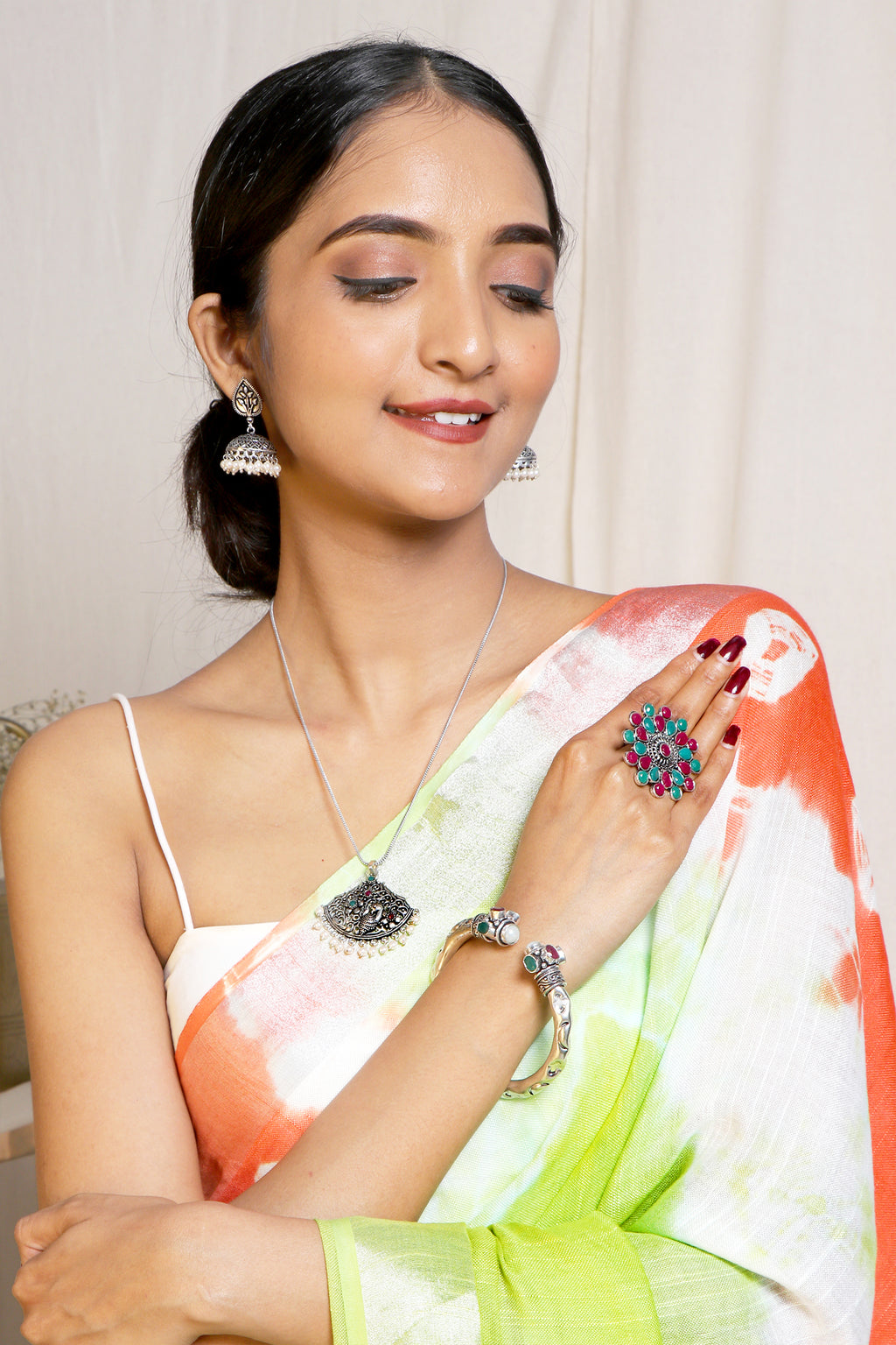 Teejh Maltese Saree & Jewelry Gift Set