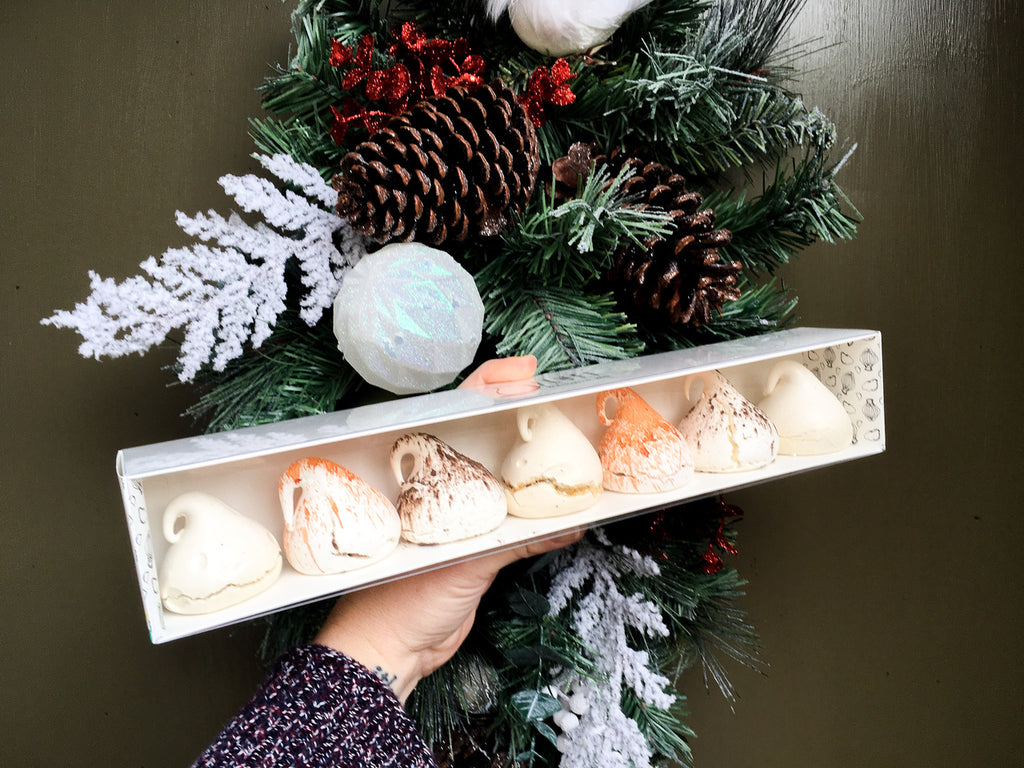 MERINGUE DROP GIFT BOX