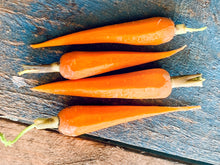 Load image into Gallery viewer, Carrots Baby - 200g Punnet