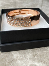 Load image into Gallery viewer, Rose Gold Sparkly Bracelet