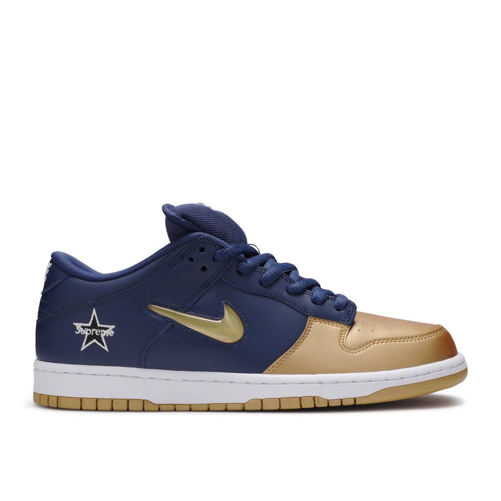 NIKE DUNK SB LOW X SUPREME METALLIC GOLD