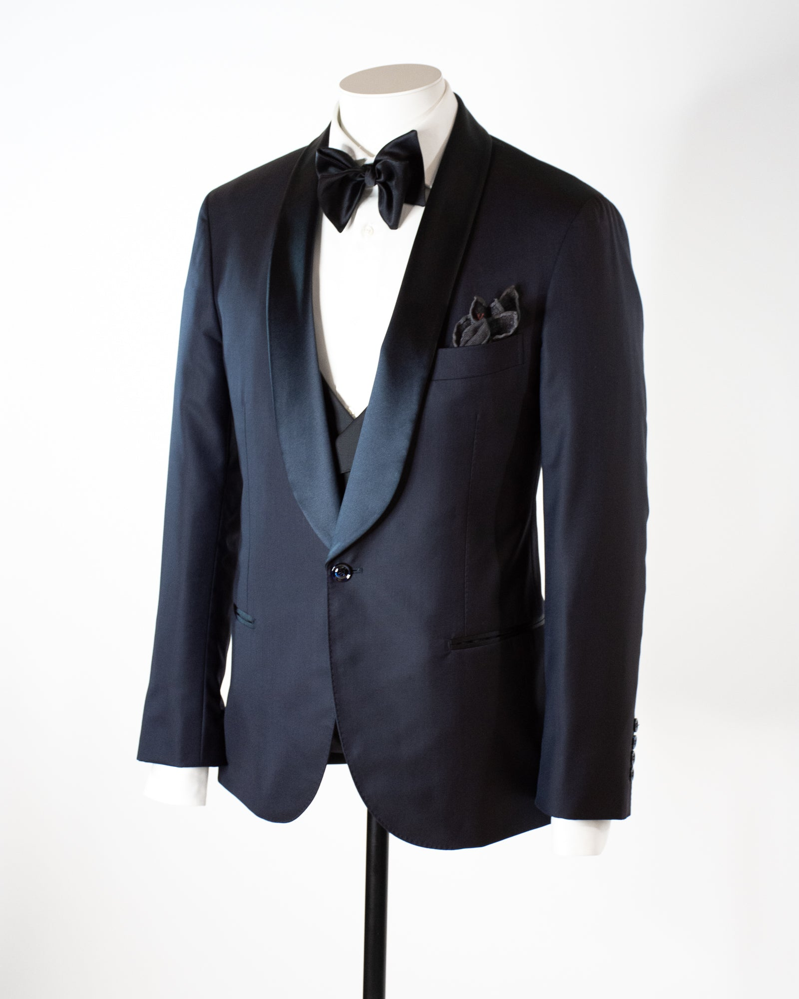 BRUNELLO CUCINELLI Single Breasted Navy Dinner Suit