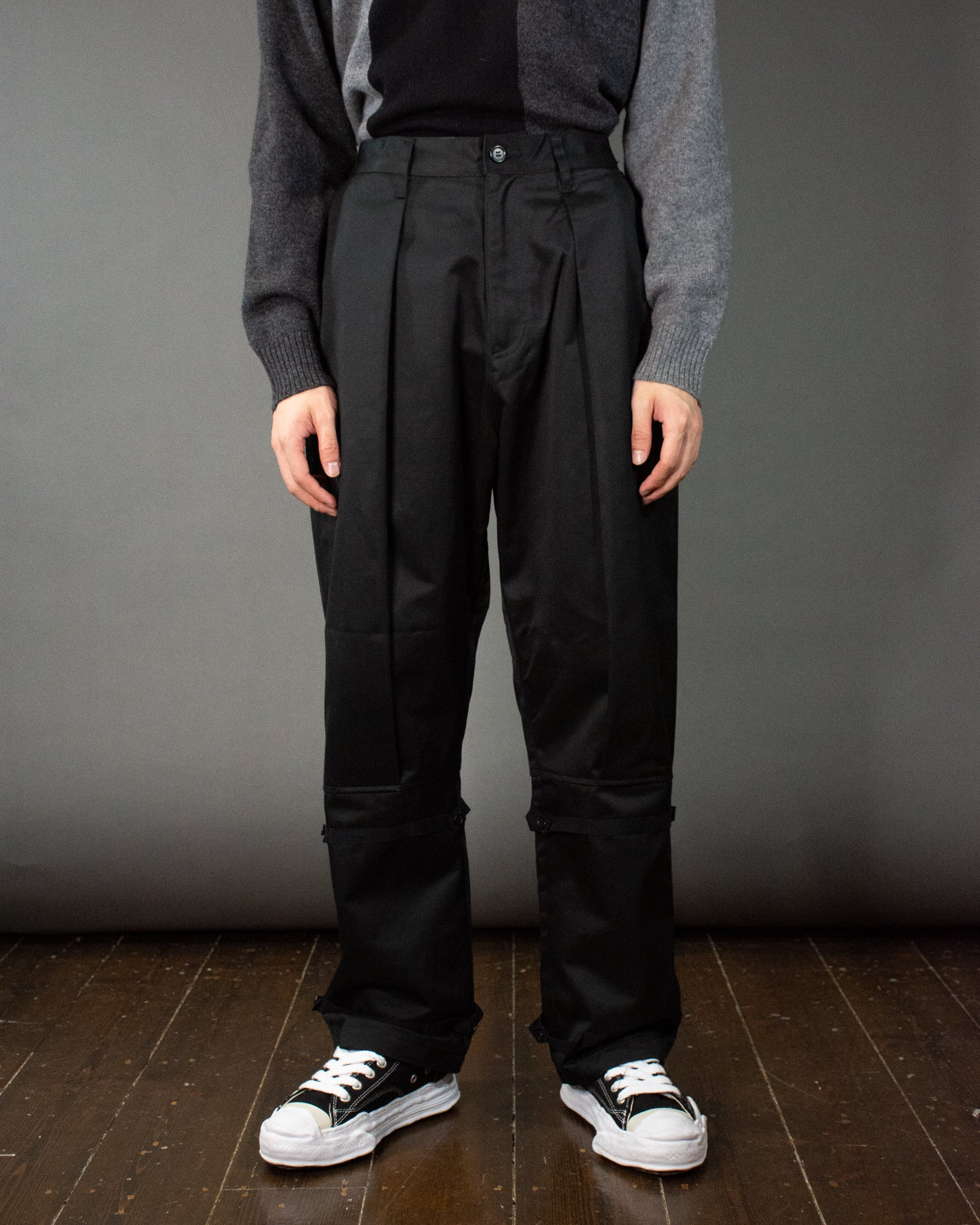 UNDERCOVER KNEE TIED PLEATED PANT