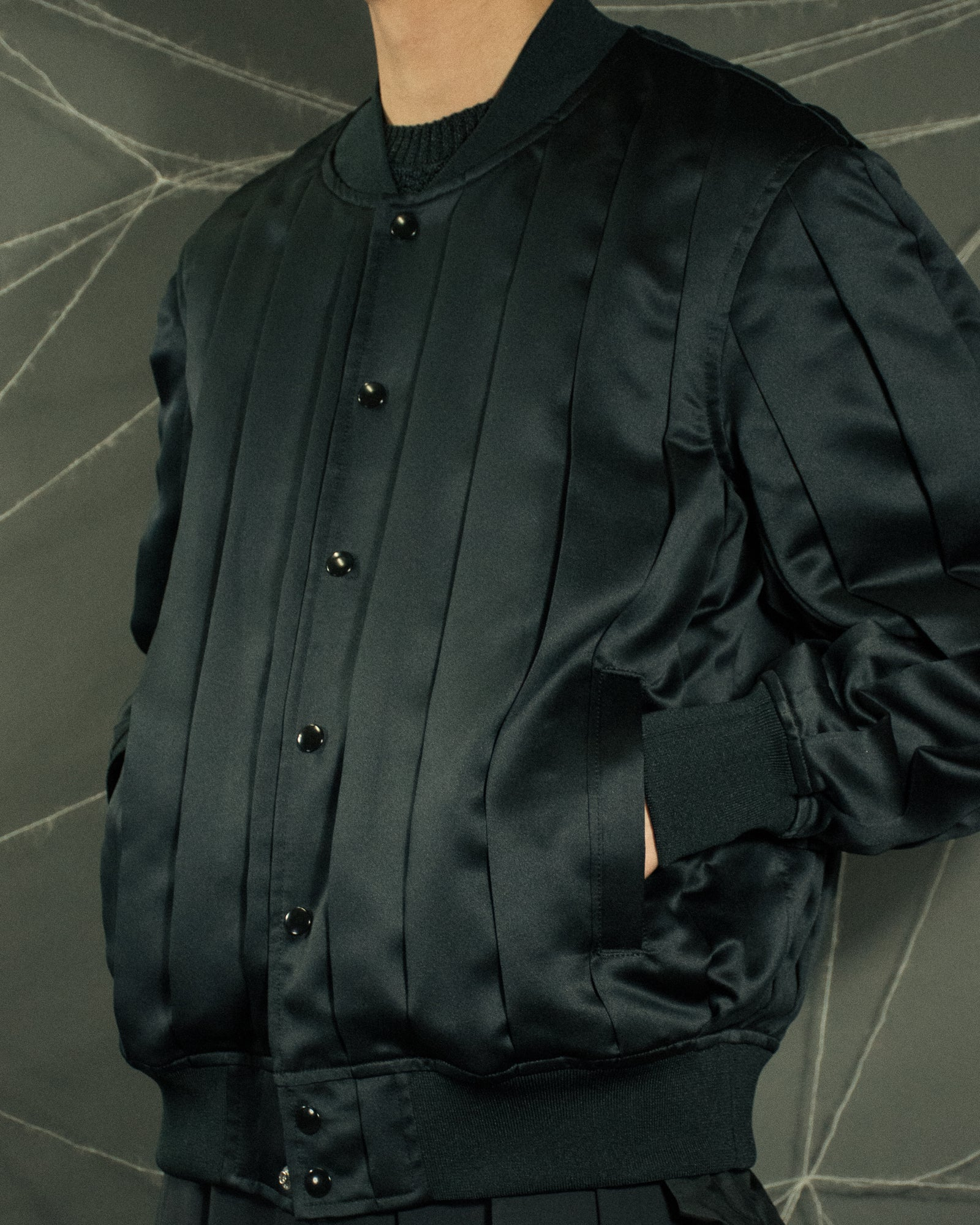 UNDERCOVER Pleated Bomber
