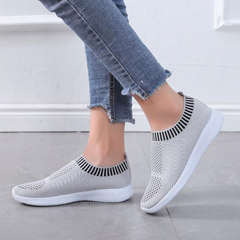 Walking Shoes for Men and Women Slip-on Sneakers