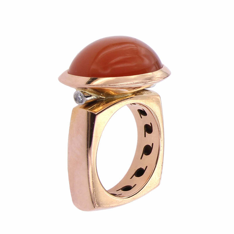 Pink Golden Ring set with a Orange Moonstone and Diamonds