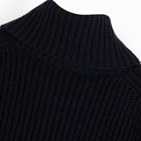 SWEATER WITH CONTRAST POCKETS