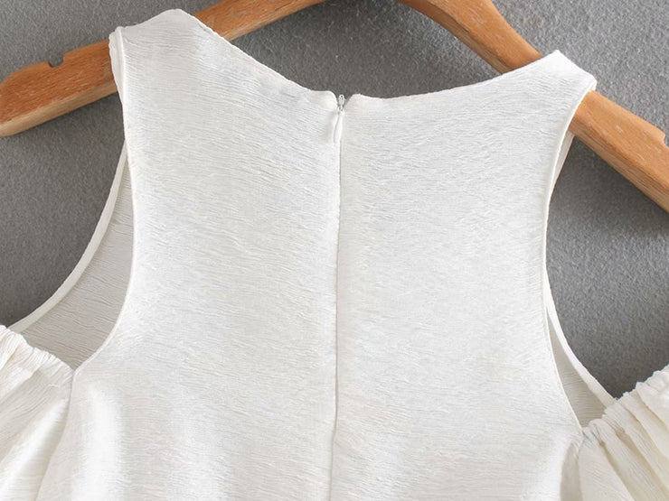 TOP WITH CUT-OUT DETAIL