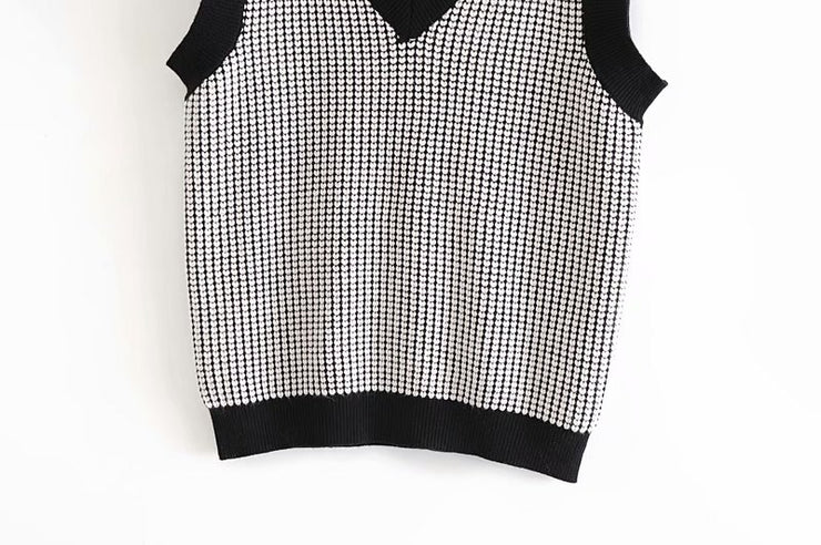 HEART PATTERN LOOSE KNITTED VEST