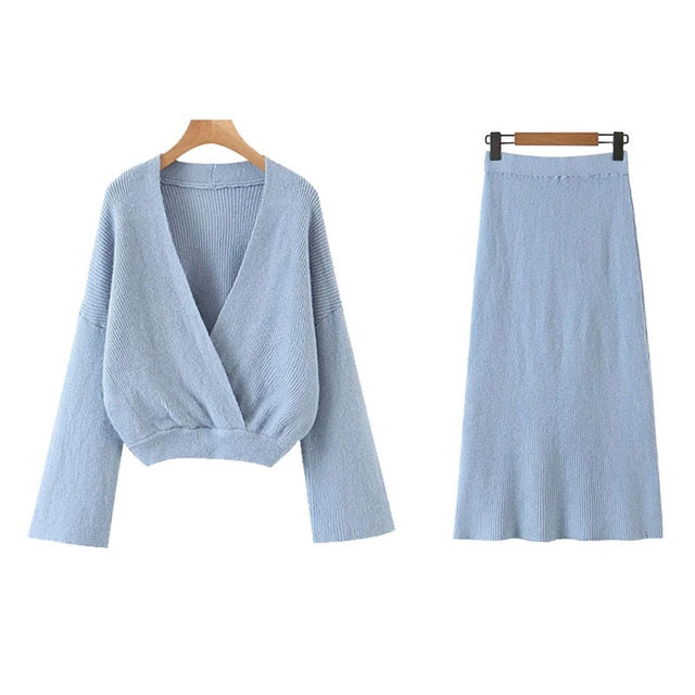 KNITTED CROPPED SWEATER WITH SKIRT