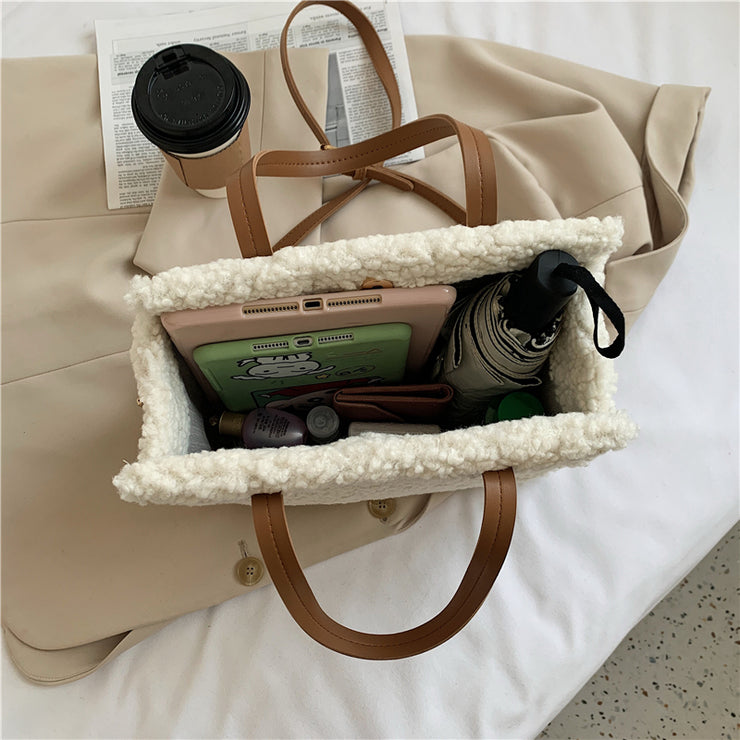 TRAVEL TEDDY TOTE BAG
