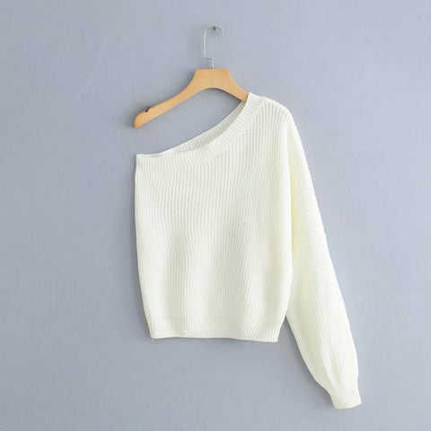 ASYMMETRIC SWEATER