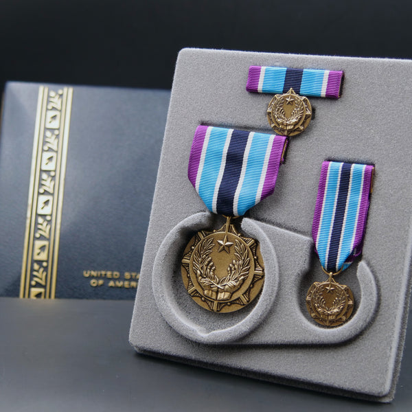 Army Civilian Award for Humanitarian Service Medal - Set