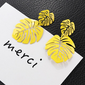 Large Yellow Monstera Earrings - cottonwoodbloomco