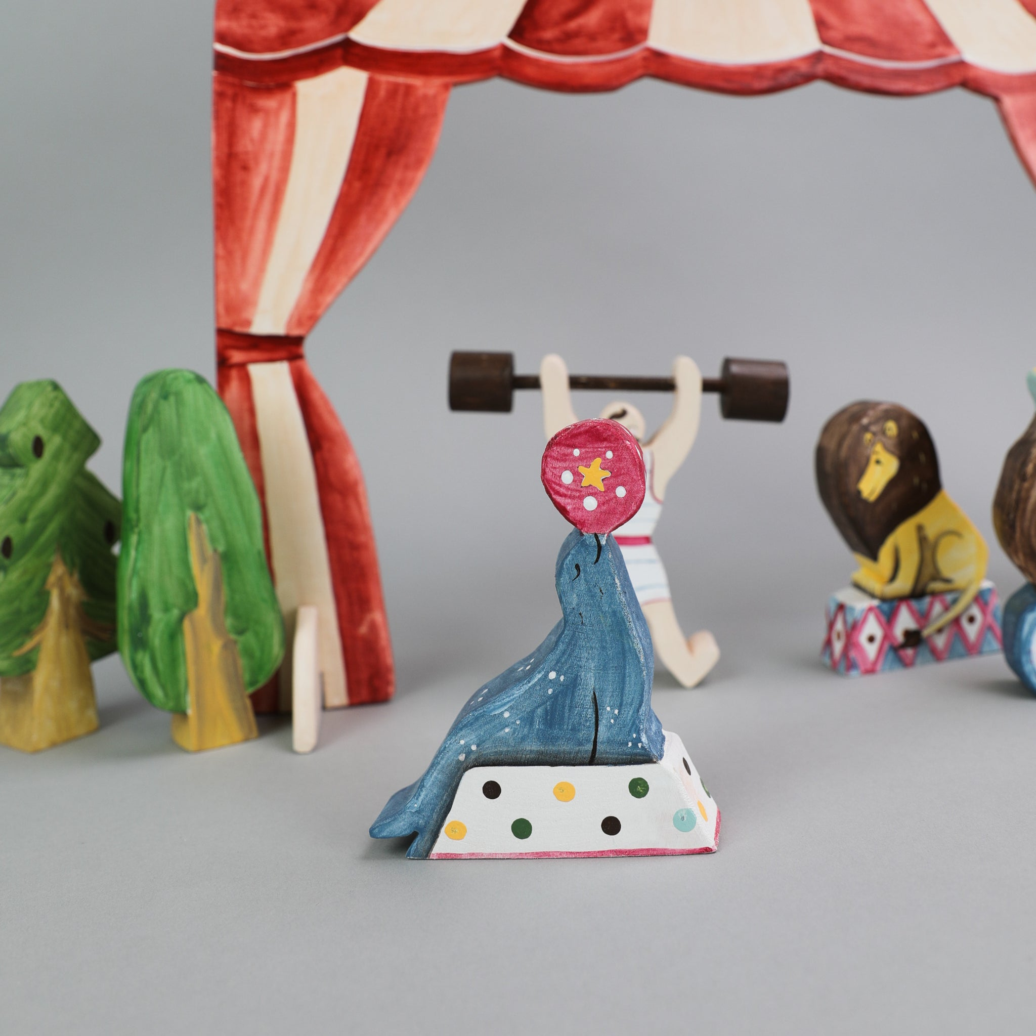Wood Circus Figures and Animals Toys Educational Toy is Great for Building Blocks Play Set Suitable for Boys and Girls Ages 2 and Up TOYSTERS Wooden Play-A-Role Circus Playset for Toddlers