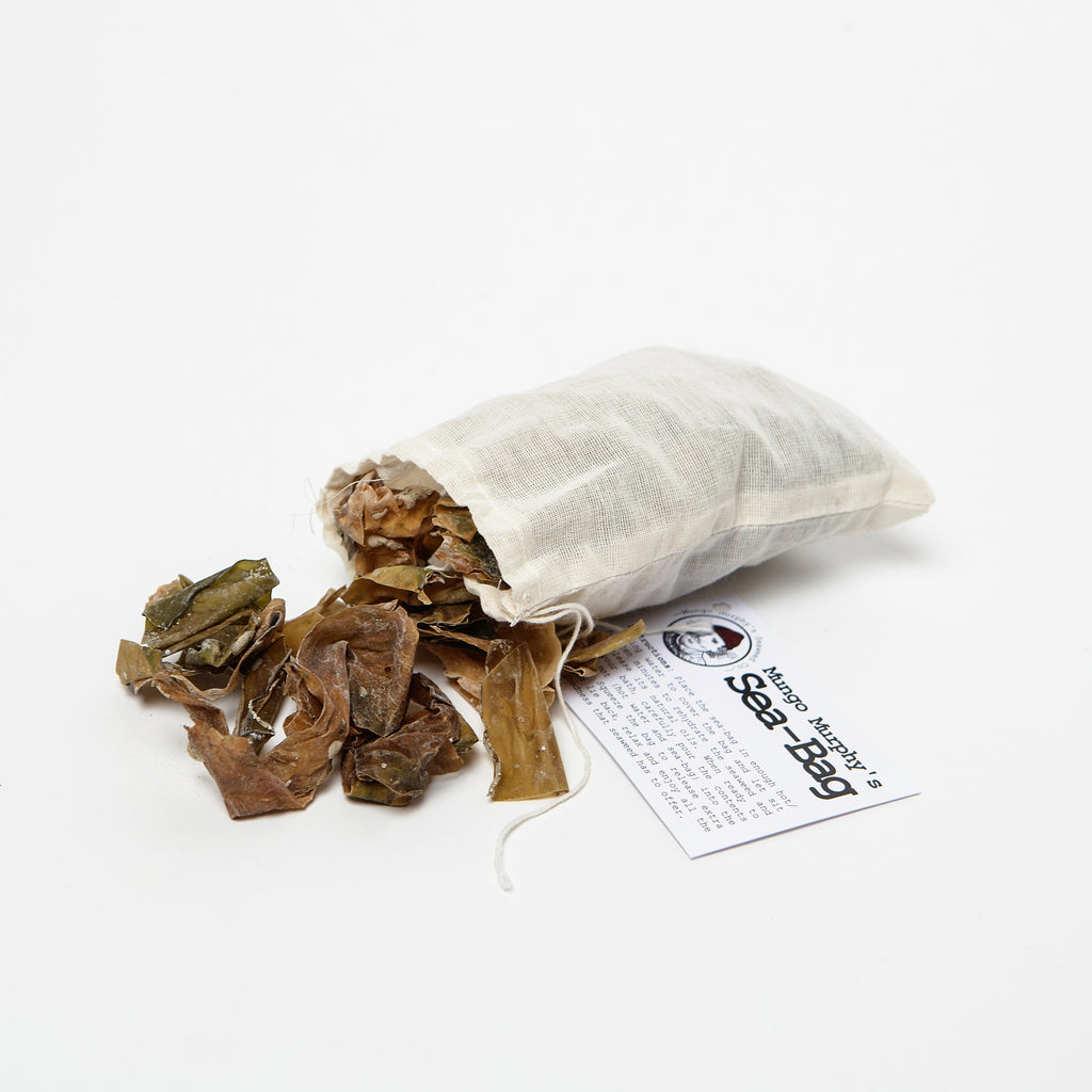Relaxing seaweed bath bag.  Totally natural seaweed baths at home, Irish seaweed.  Best token Irish gifts for under a tenner. data-zoom=