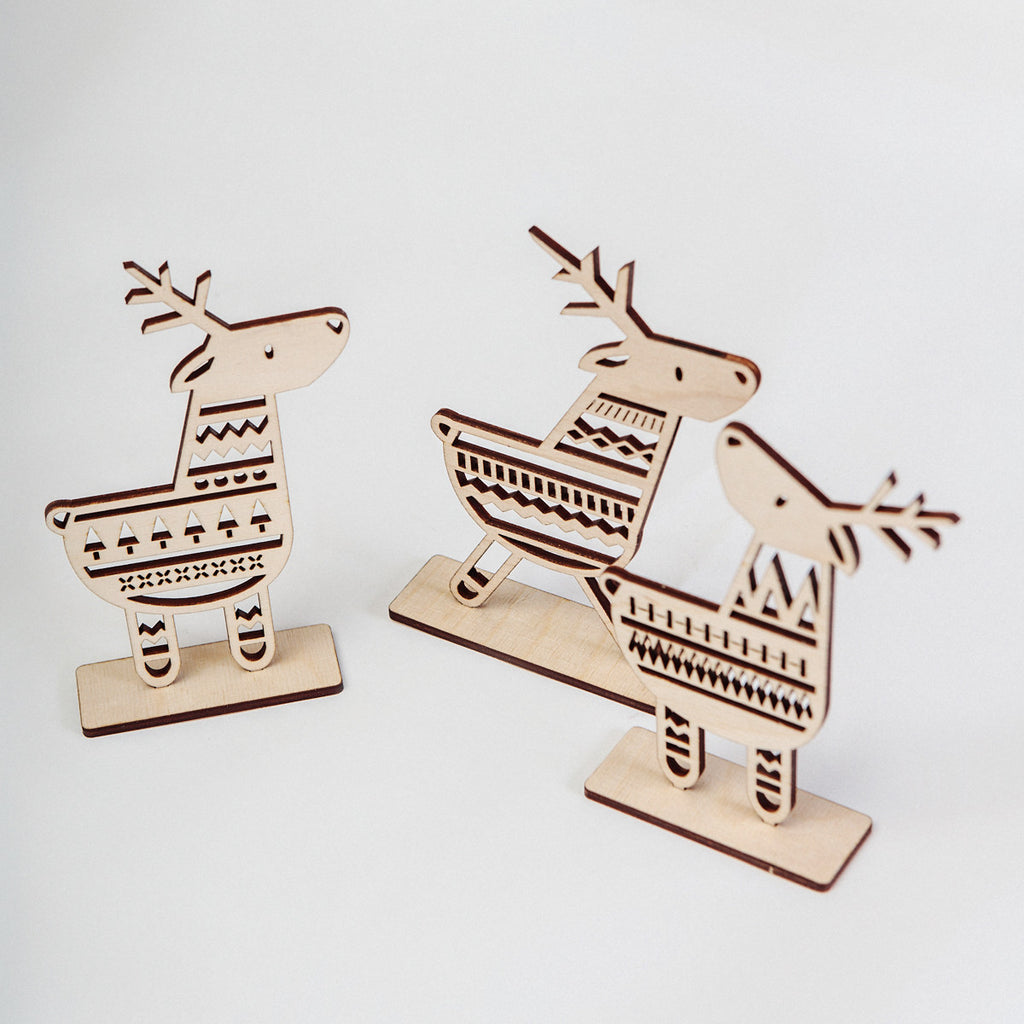 Laser-cut reindeer, christmas decorations, a unique chrstmas data-zoom=