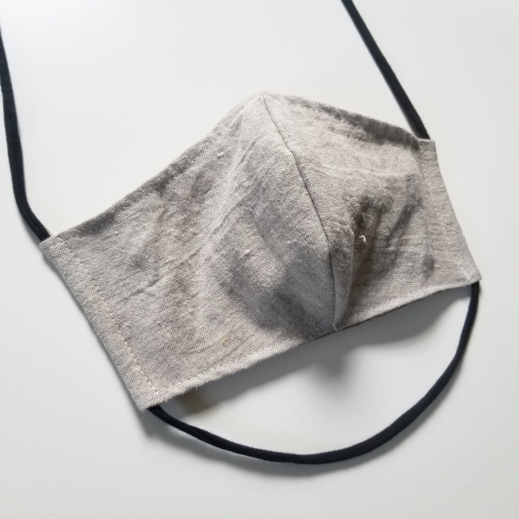 Mask in natural linen