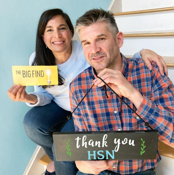 QVC HSN Big Find Product Find Winner Plata Chalkboards- Karen Ardinger and Jeff Ardinger holding Big Ticket for their chalkboard sign and chalkboard stencil kits to create outdoor welcome signs and holiday signs craft kits and DIY Welcome Signs- Big Find Quarate Retail Group