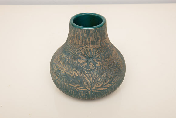 Red Wing Pottery Green Floral Vase