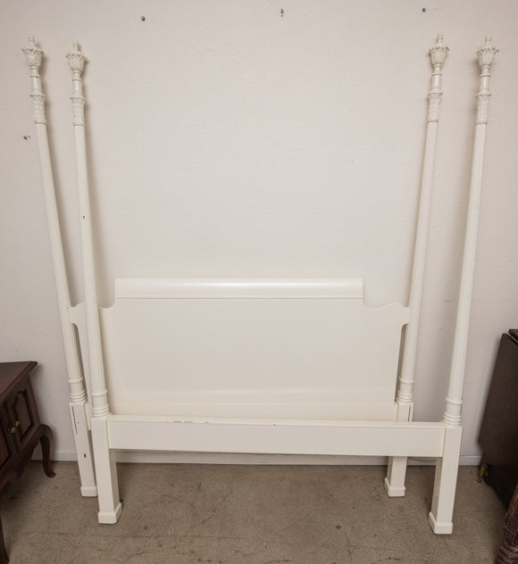 White Lacquered Traditional Headboard and Footboard for Bed