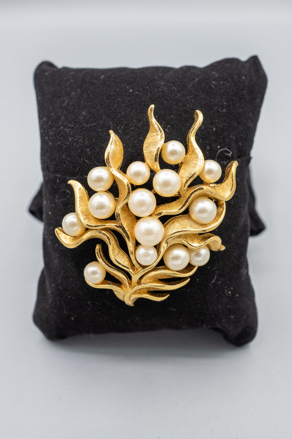 Vintage Crown Trifari Alfred Philippe Abstract Pearl Brooch Pin
