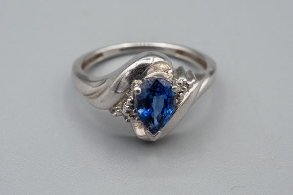 10K White Gold .70ct Pear Shape Sapphire Ring