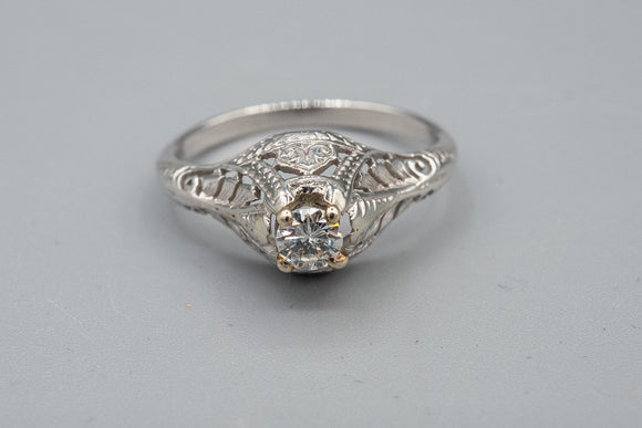 Art Deco 14K White Gold Filigree .25ct Diamond Ring