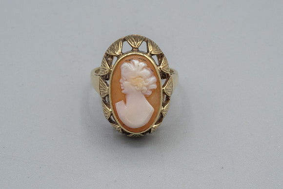 Antique 9K Yellow Gold Cameo Ring