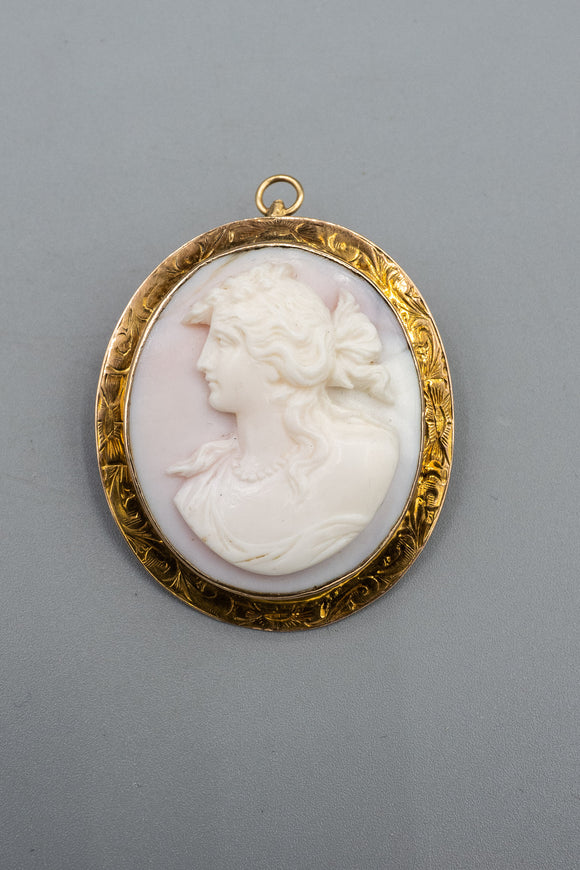 Vintage 14K Yellow Gold Carved Shell Cameo Pendant Brooch Pin