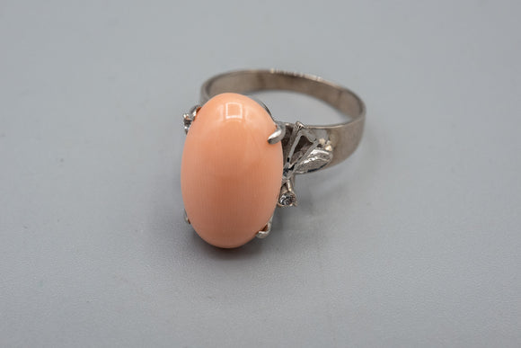 Vintage 18K White Gold with Large Oval Angel Skin Coral Cabochon Ring