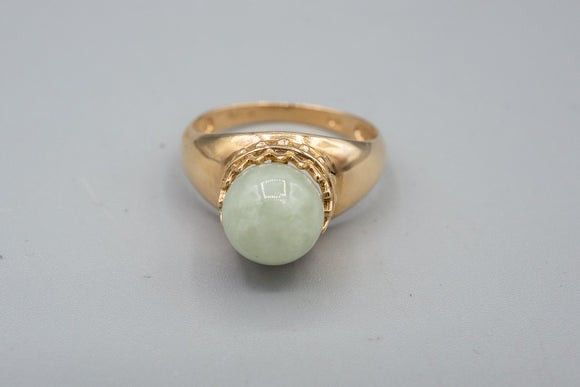 Vintage 14K Yellow Gold Jade Crown Ring