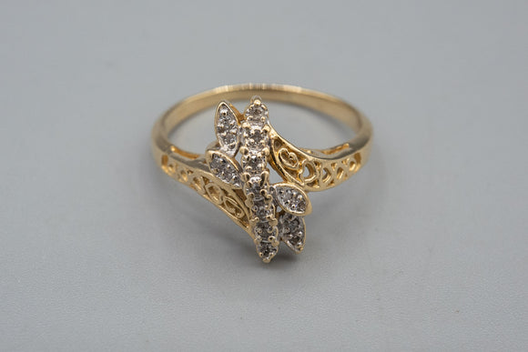 14K Yellow Gold Heart Diamond Ring