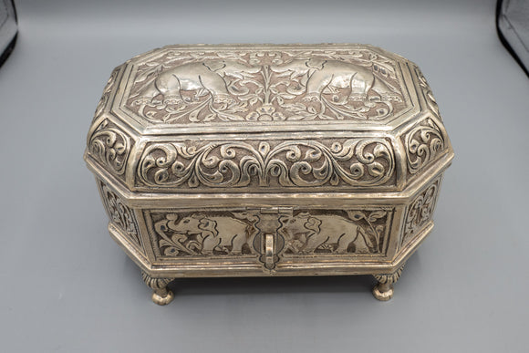 Indian 900 Silver Elephant Footed Jewelry Box