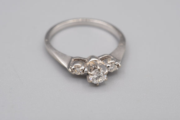 14K White Gold .20 Ct VS Diamond Ring Size 5 1/2