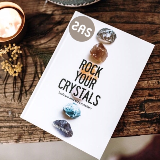 ROCK YOUR CHRYSTALS BOEK