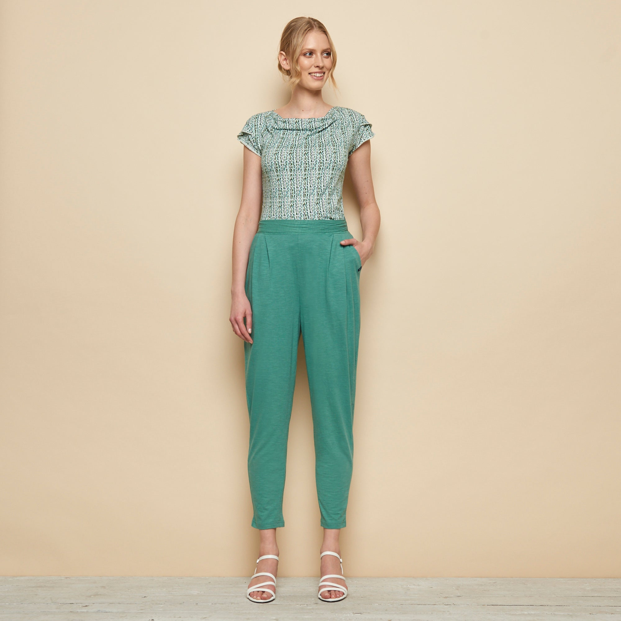 Slub Cotton Pant in Green