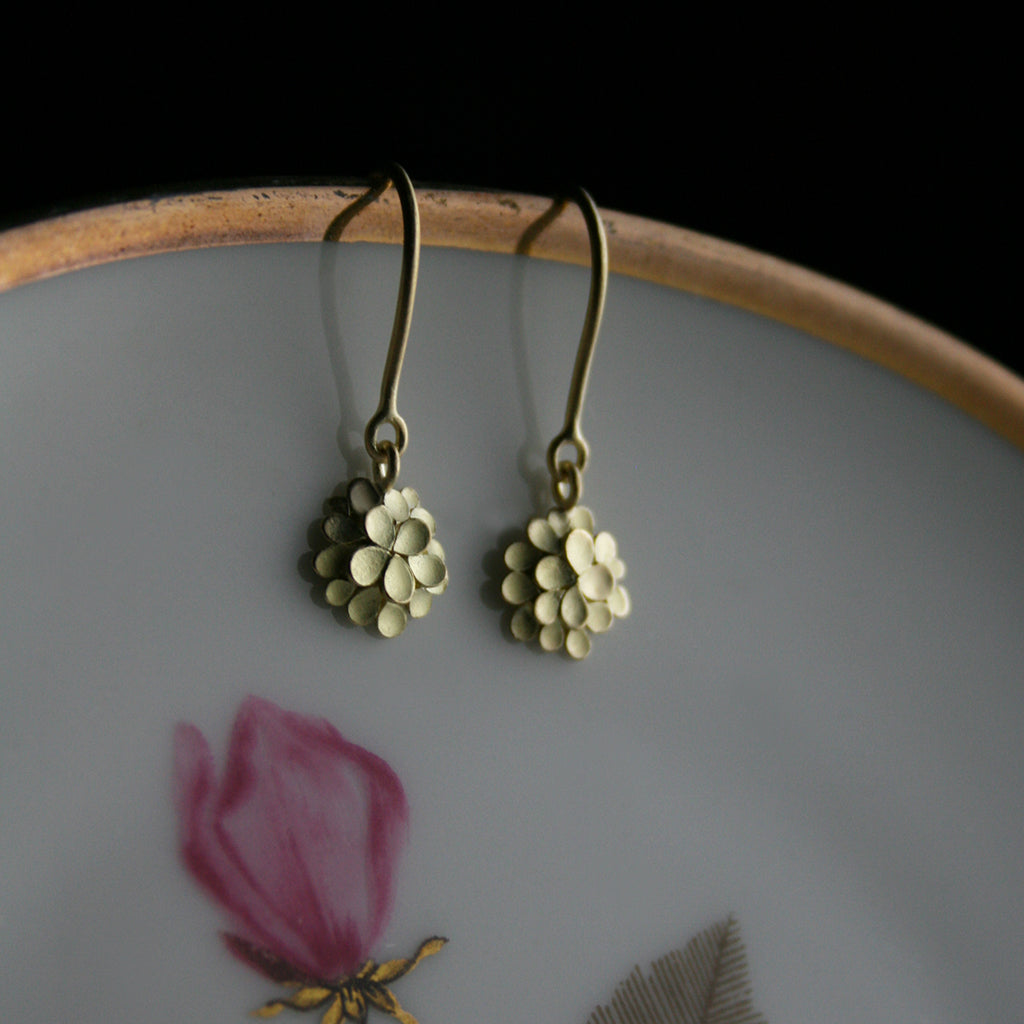 Dahlia fine 18ct. Gold small Earrings
