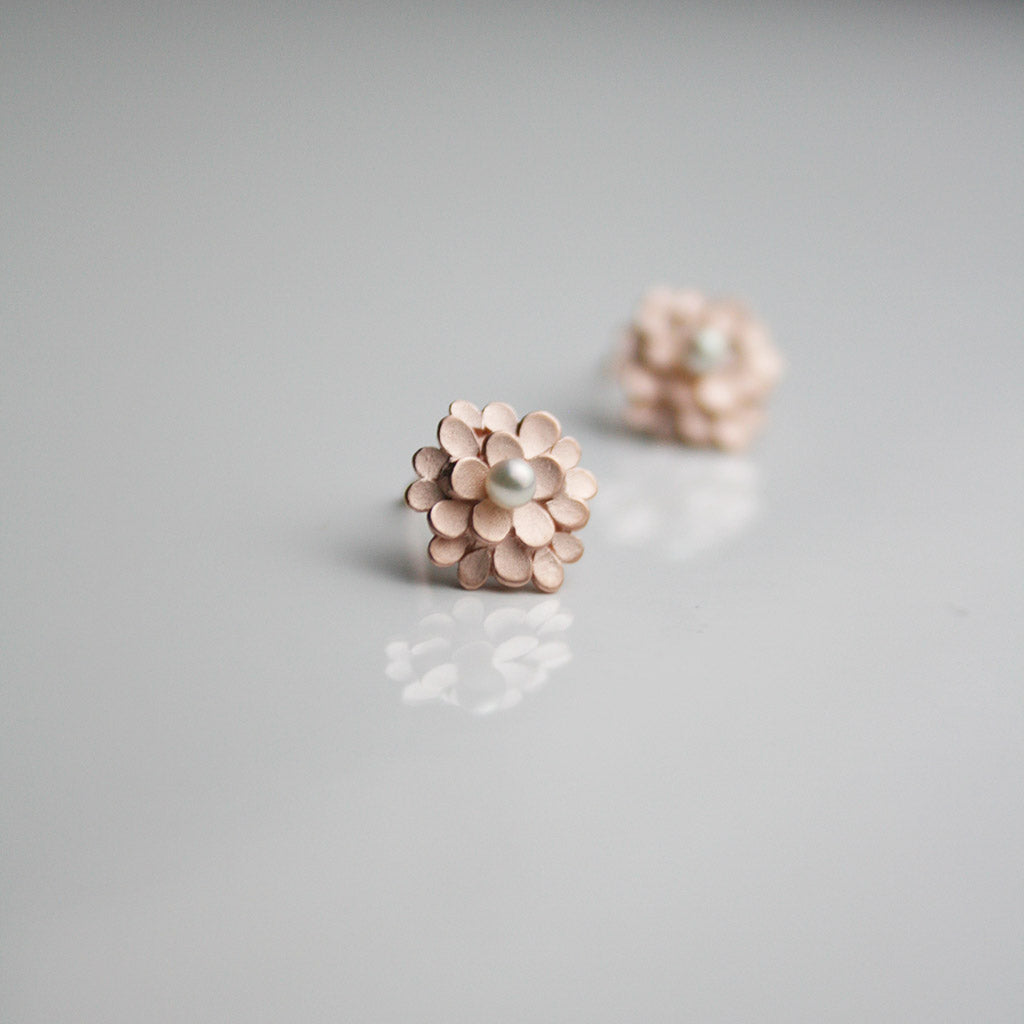 Dahlia 925 Silver Rose-gold plated Ear-studs with freshwater Pearls