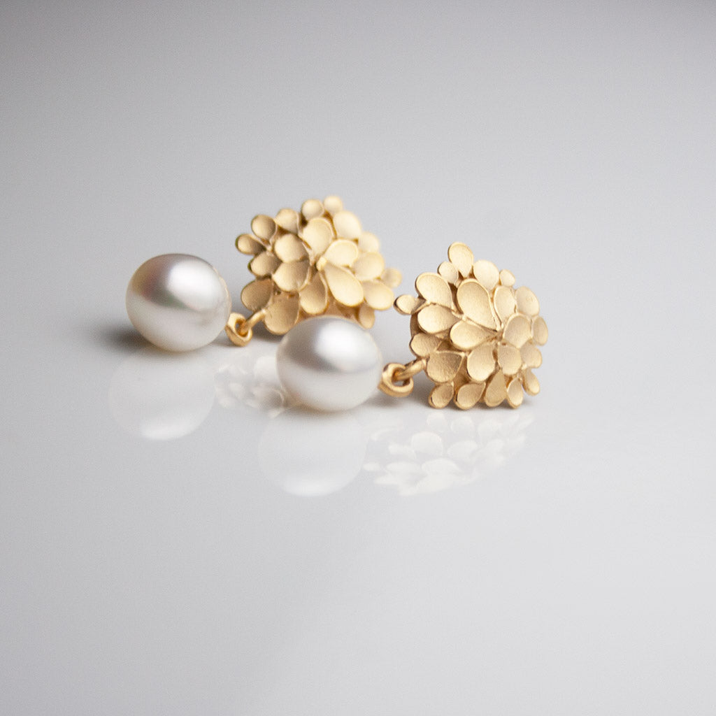 Dahlia asymmetrical Silver gold-plated pearl drop Earrings